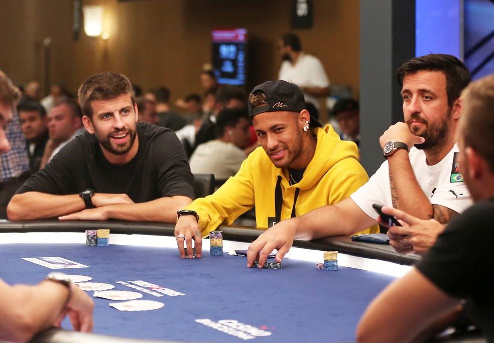 Neymar e Piqué seguem com laço forte de amizade — Foto: Getty Images