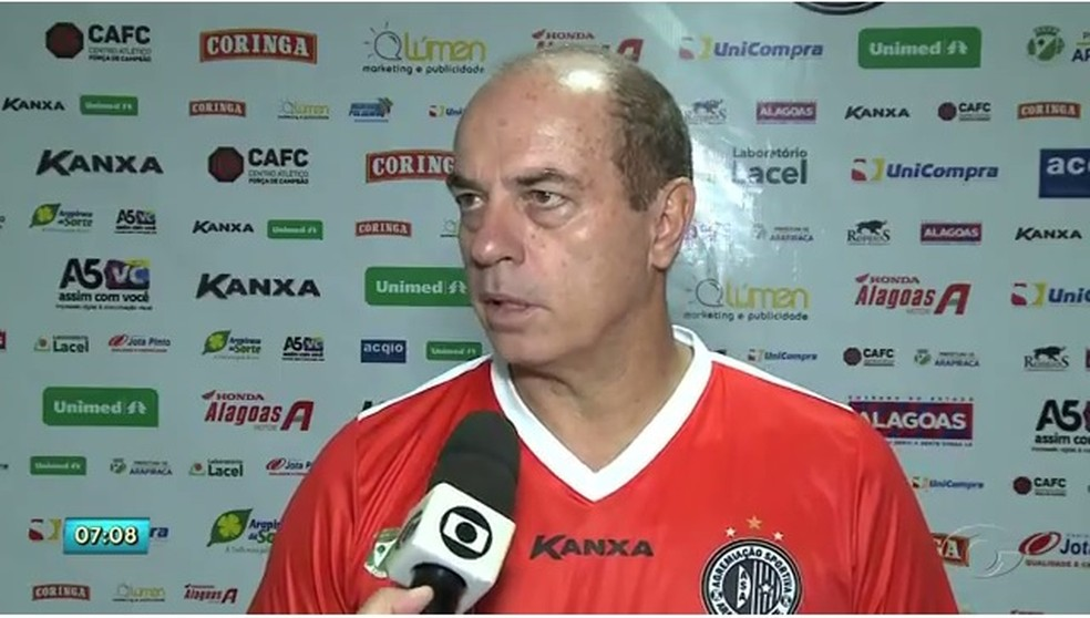 Carlos Rabello pediu demissão e deixou o Jequié — Foto: Reprodução/TV Gazeta