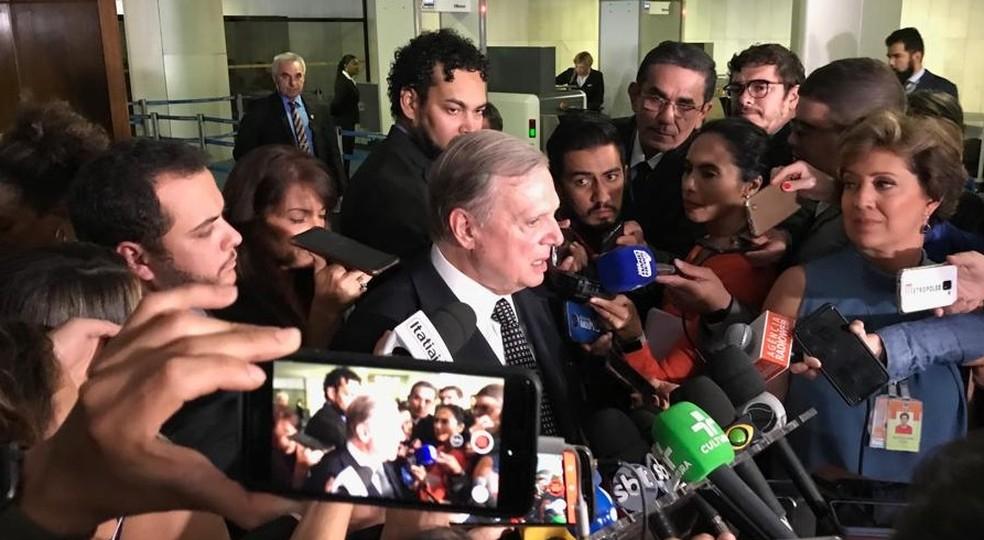 Senador Tasso Jereissti (PSDB-CE), relator da reforma da Previdência, concede entrevista sobre a proposta — Foto: Gustavo Garcia/G1