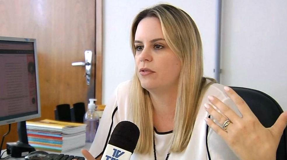 Marina Perini Antunes Ribeiro, secretária de Negócios Jurídicos de Assis: novo projeto para contratação de funcionários está à espera de votação na Câmara (Foto: Reprodução/TV TEM)