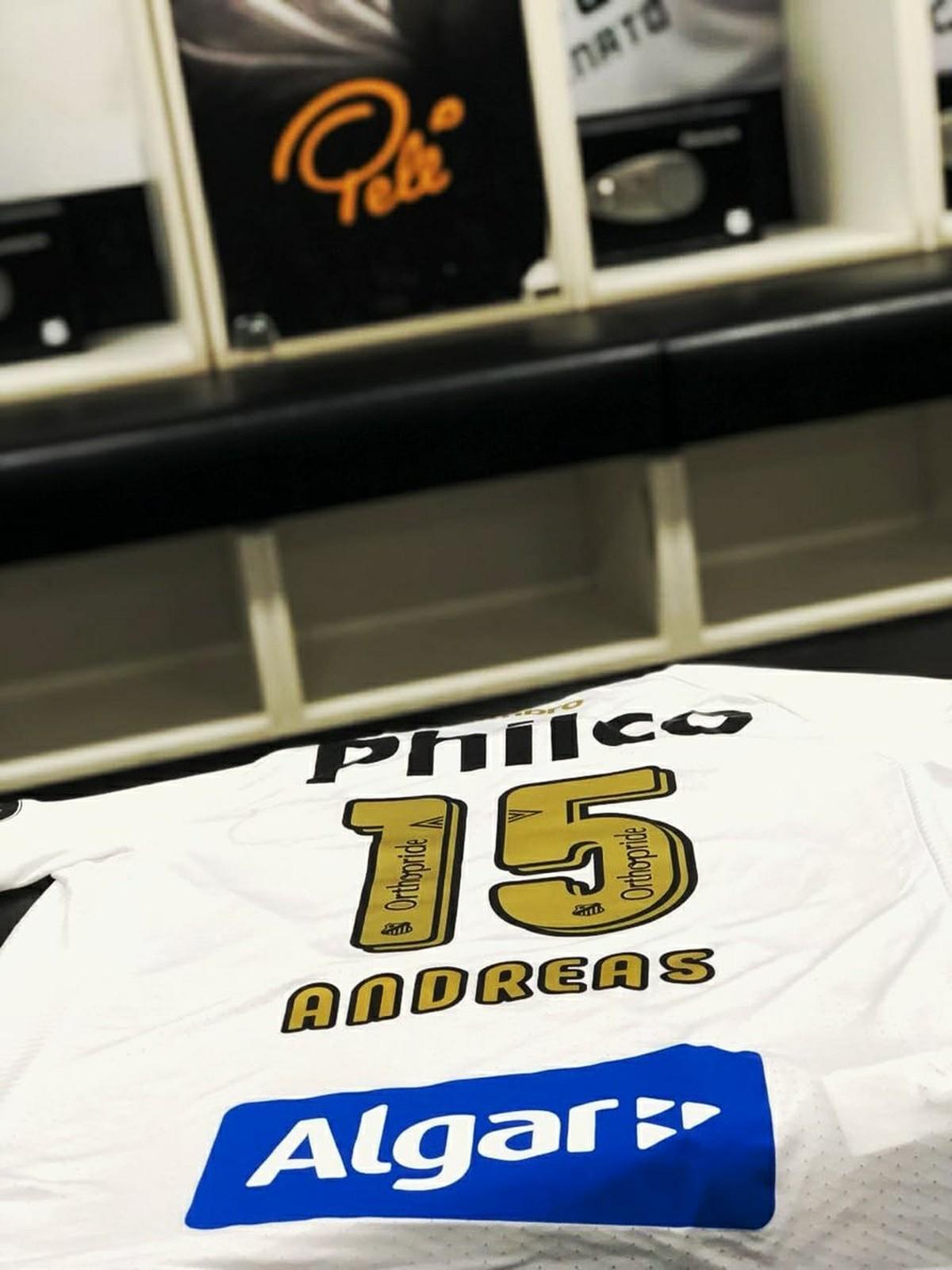Santos envia camisa para Andreas Pereira