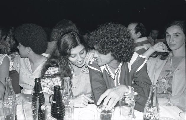 Em 1982 com o amigo Caetano Veloso (Foto: Antonio Nery)