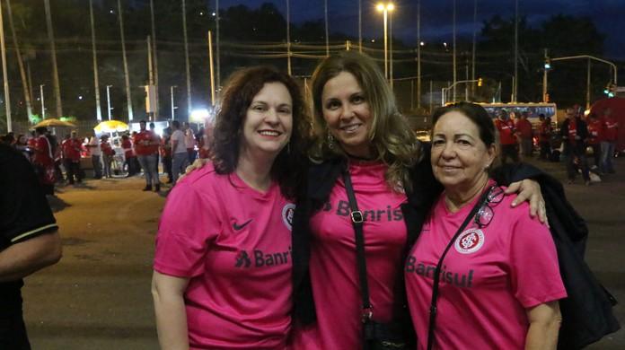 Torcida Esgota Camisas Rosa Em Um Dia E Inter Solicita Novo Lote A Fornecedor Internacional Ge