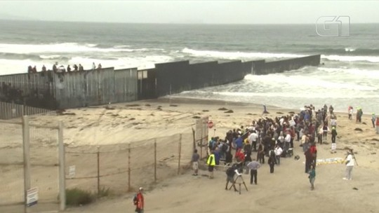 A caravana de refugiados da América Central que está em um limbo legal na fronteira entre o México e os EUA