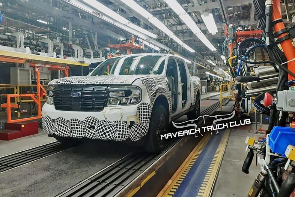Ford Maverick é flagrada na linha de montagem de Hermosillo, México — Foto:  Maverick Truck Club/Reprodução