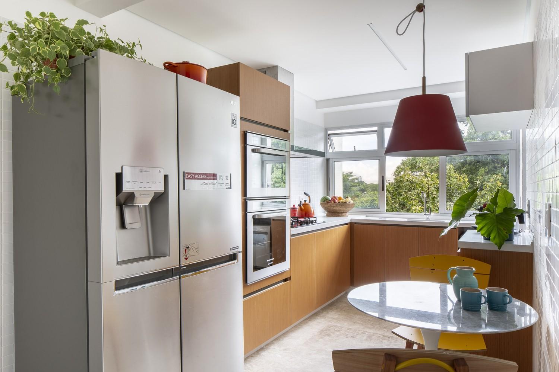 Décor do dia: canto do café colorido na cozinha (Foto: Joana França)