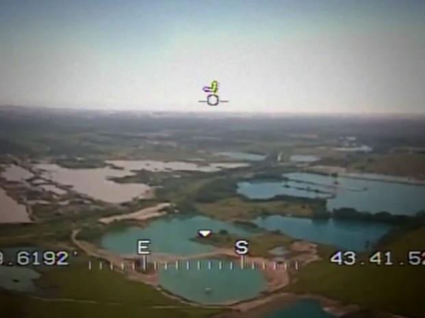 Área em Seropédica ficou cheia de crateras abertas a céu aberto (Foto: Reprodução/Globo)
