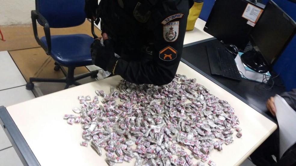 Droga apreendida em Macaé (Foto: Polícia Militar/Divulgação)