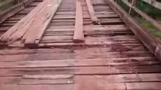 Ponte precária de madeira entre MT e GO preocupa e assusta moradores