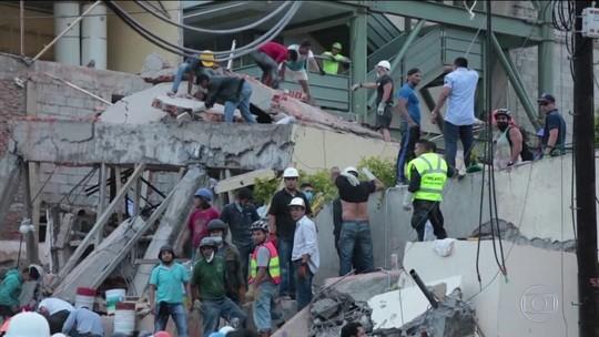30 crianças são procuradas em escombros de escola no México