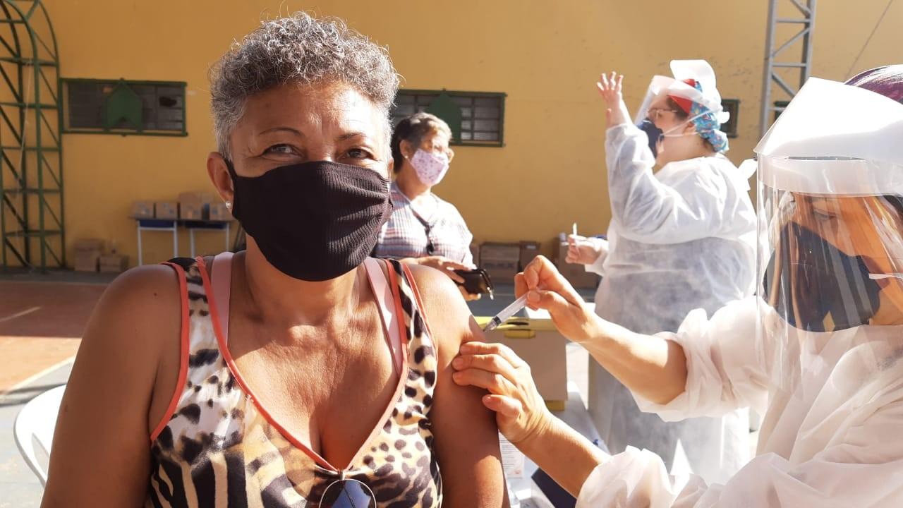 Moradores de Botucatu falam sobre vacinação em massa contra Covid: 'Muita emoção'