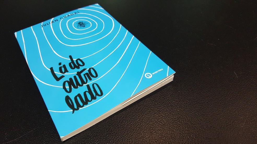 Livro Lá do Outro Lado tem crônicas sobre vivência em Ji-Paraná, RO (Foto: Gustavo Rebouças/Rede Amazônica)