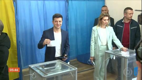 Pesquisa de boca de urna indica que ator será eleito presidente da Ucrânia