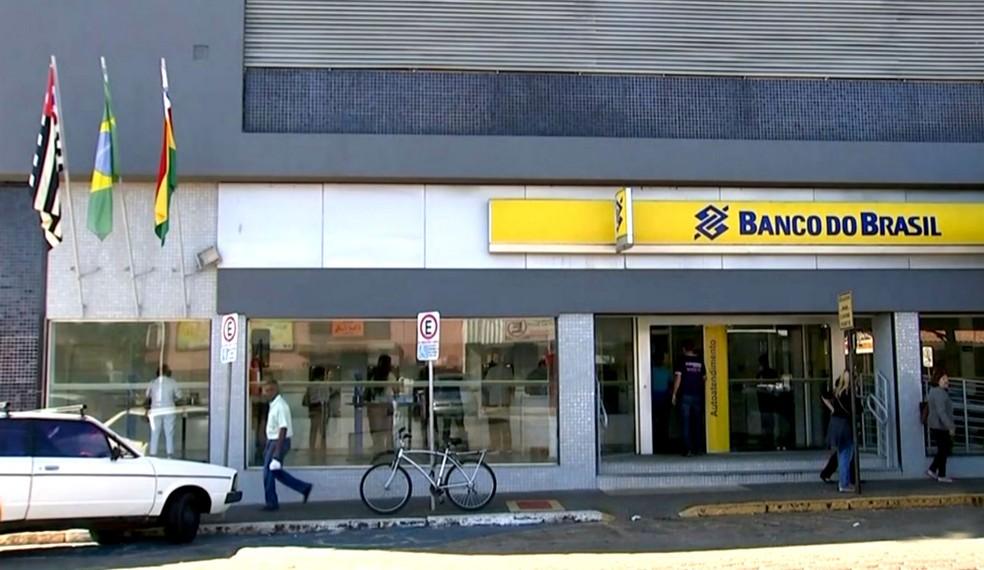 Bendine iniciou au carreira no Banco do Brasil na agência de Paraguaçu Paulista, em 1978 (Foto: Reprodução / TV TEM)