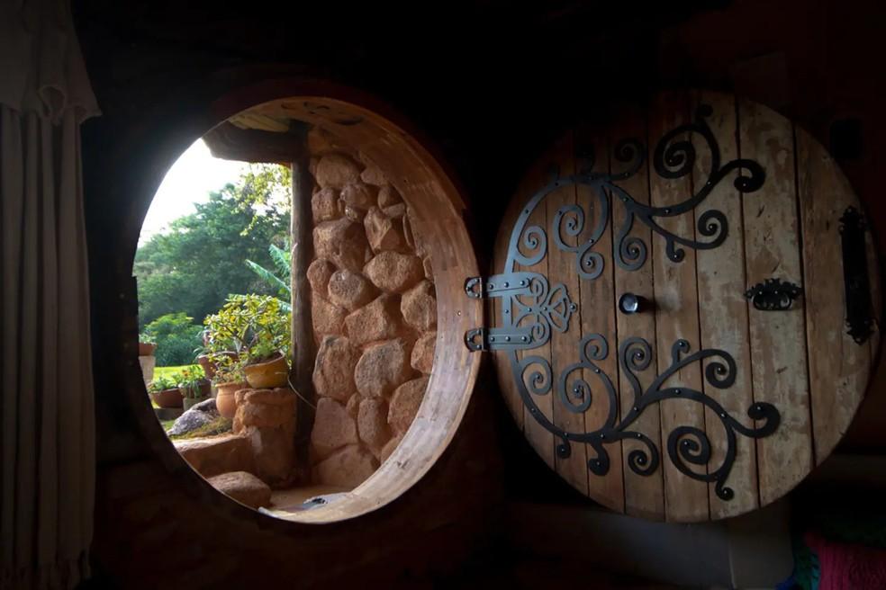 Porta redonda foi feita à mão por Meriele e Getúlio — Foto: Arquivo pessoal