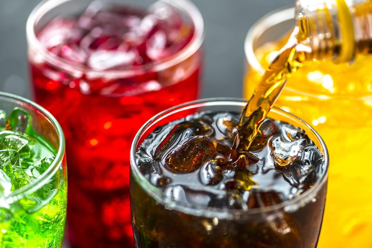 Refrigerantes precisarão diminuir concentração de açúcar (Foto: Pixabay)