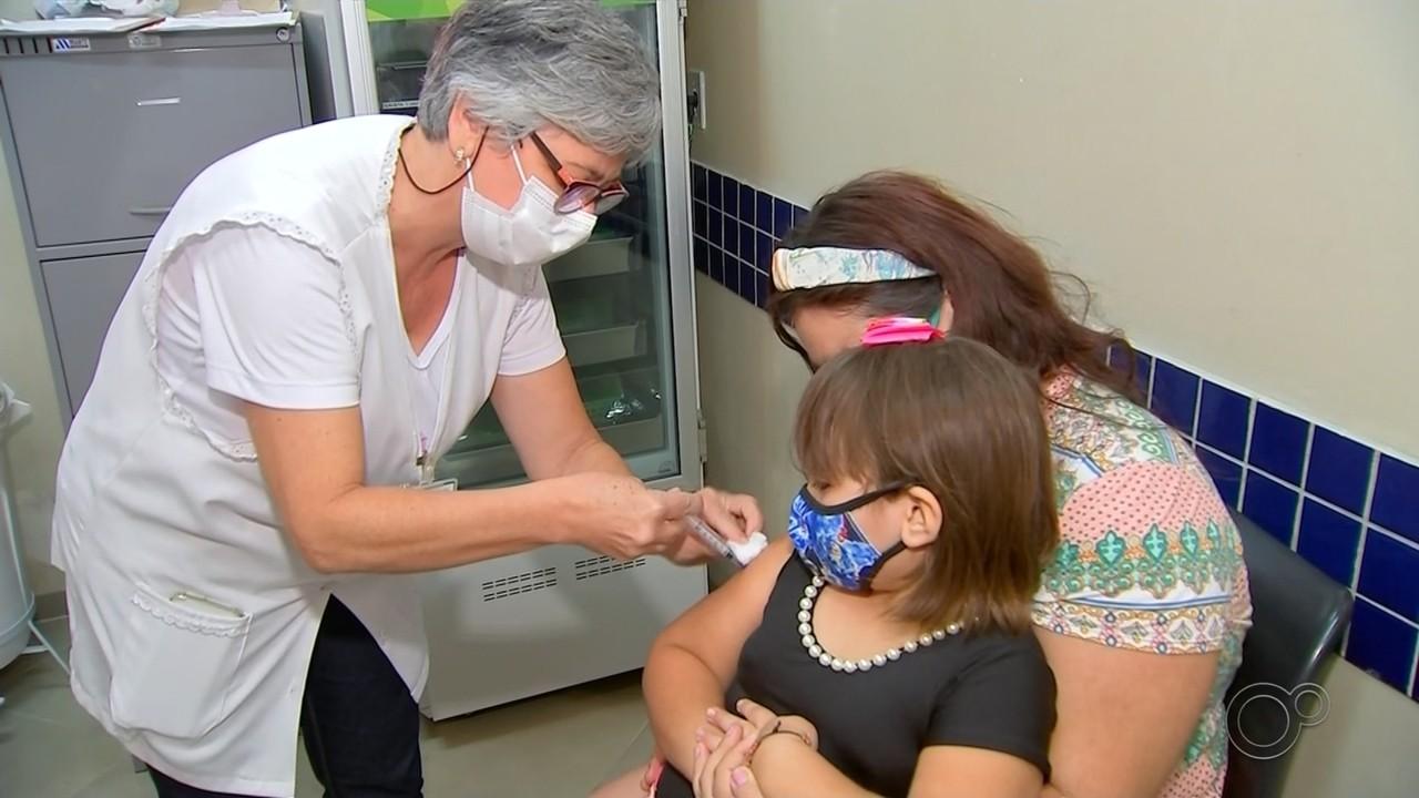 Bauru antecipa vacina da gripe e abre agendamento para imunização contra Covid-19