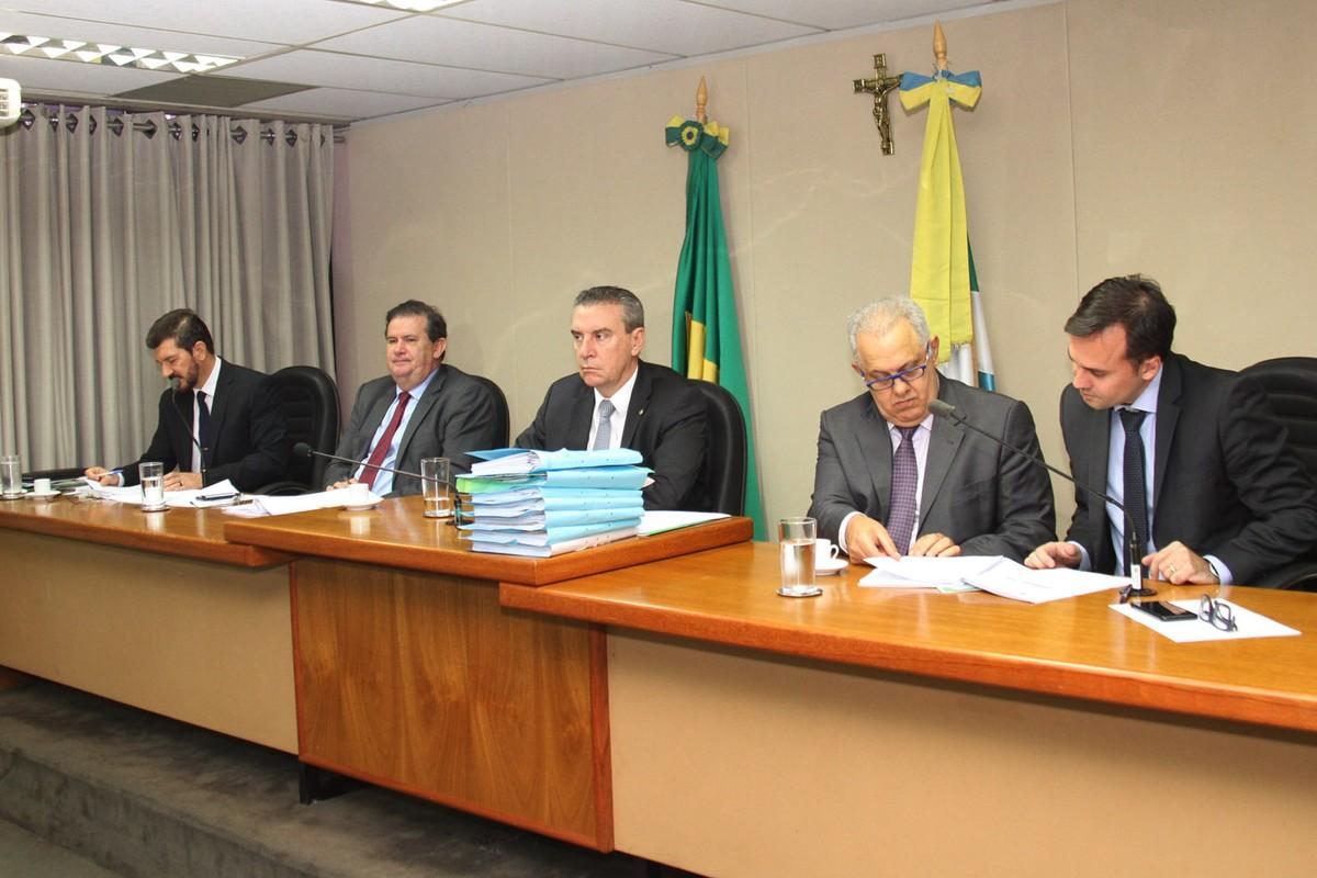 Deputados aprovam relatório final da CPI que investigou irregularidades fiscais da JBS em MS