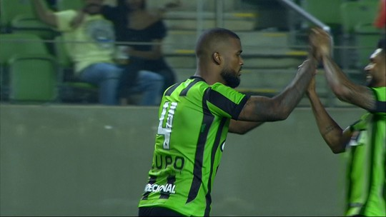 No 100º jogo com a camisa do América-MG, Messias revê adversário do único gol no ano