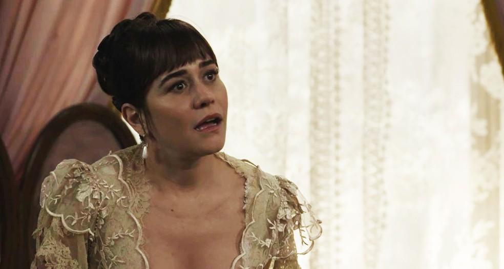 A cara de Susana quando Olegário diz que vai contar seus segredos  (Foto: TV Globo)
