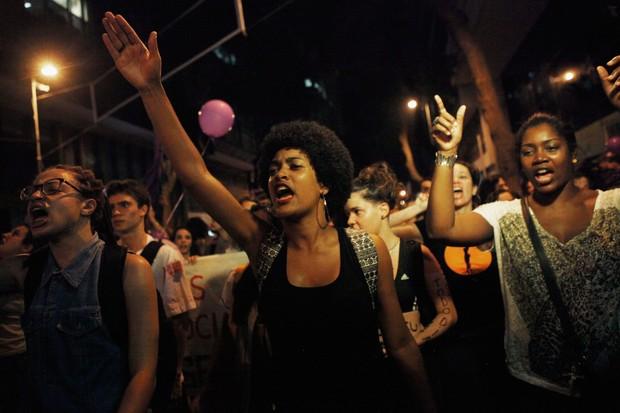 Mulheres protestam no Rio de Janeiro por direitos iguais (Foto: Getty Images)
