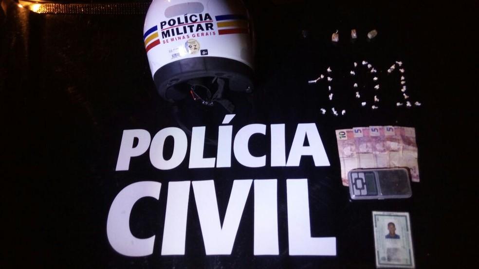 Prisão aconteceu depois que um investigador repassou as informações sobre o tráfico de drogas na região (Foto: Polícia Civil/Divulgação)