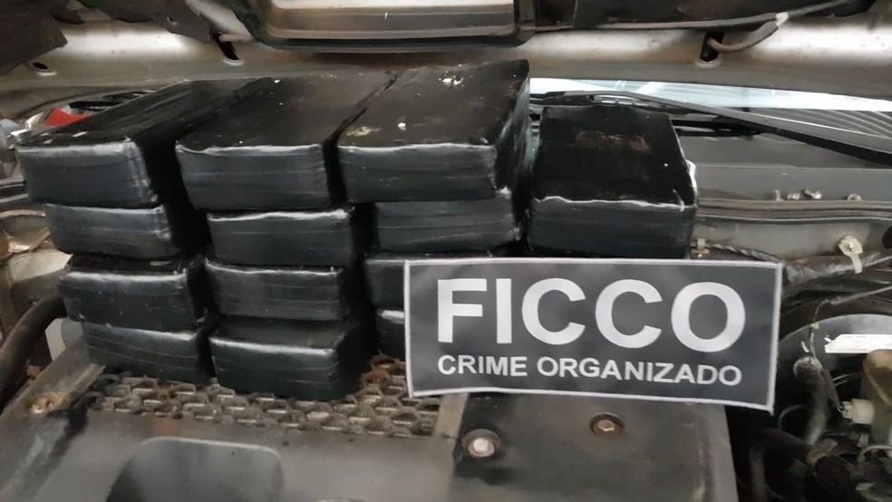 Foram apreendidos 16 kg de pasta base em Iturama no dia 4 de setembro — Foto: Ficco/Divulgação
