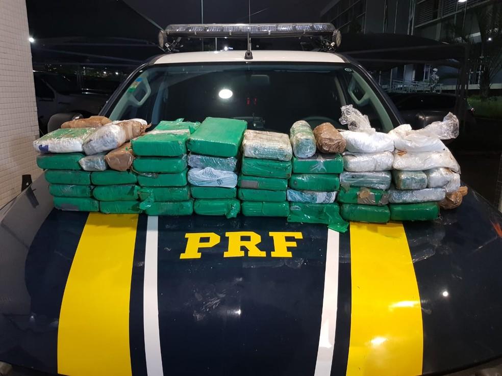 Cerca de 40 quilogramas de cocaína foram encontrados em tanque de caminhonete no Ceará. — Foto: André Alencar/TV Verdes Mares