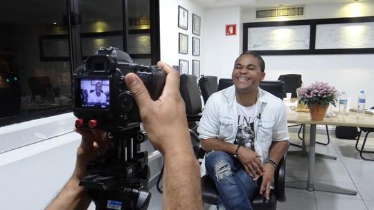 Pedro Lima deixa dica para os participantes do 'The Voice Brasil'