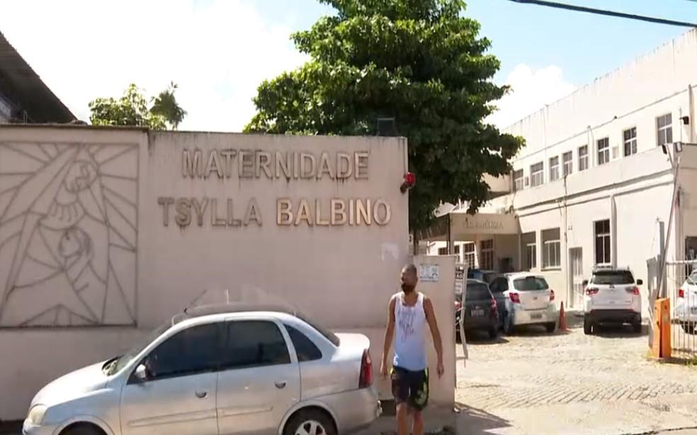 Bebê foi levada para a Maternidade Tsylla Balbino, onde permanece internada e fora de perigo — Foto: Reprodução/TV Bahia