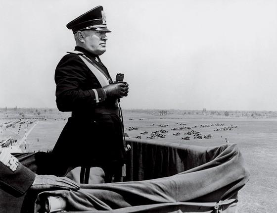 Mussolini (em foto  de 1939): partidos fascistas são proibidos na Itália, mas, como aqui, ninguém respeita muito as regras (Foto: Keystone/Hulton Archive/Getty Images)