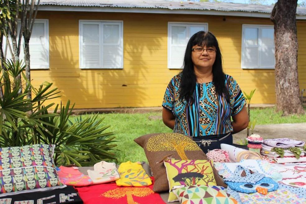 Francisca Naíde de Oliveira Queiroz, de 57 anos, foi morta no DF pelo marido que é sargento reformado da Aeronáutica — Foto: Arquivo pessoal