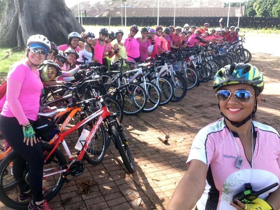 Caminhada e pedalada alertam para o combate ao câncer de mama