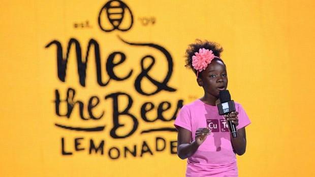 Mikaila Ulmer firmou um contrato milionário para que sua limonada seja vendida na famosa rede de supermercados Whole Foods (Foto: Getty Images via BBC)
