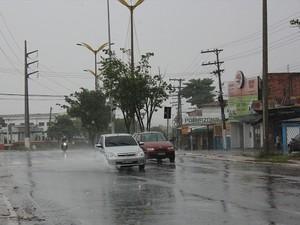Manhã deste domingo (30) foi marcada por chuva (Foto: Girlene Medeiros )