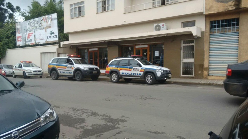 -  Loja é assaltada em Ubá  Foto: Polícia Militar / Divulgação