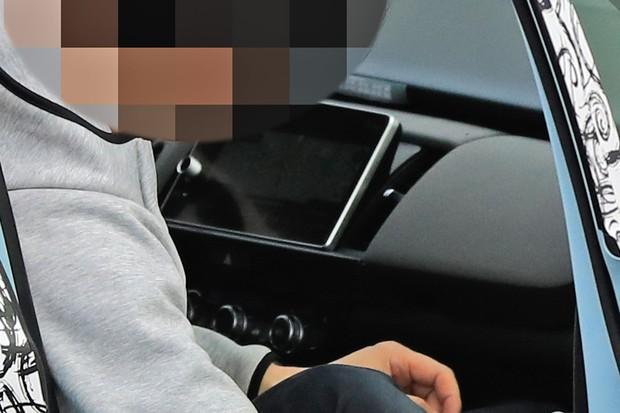 Central multimídia destacada e painel digital são toques do novo Honda Fit (Foto: Stefan Baldauf/SB-MEDIEN)