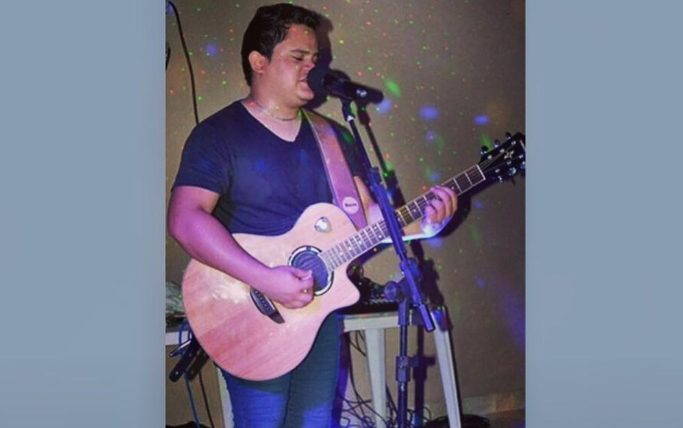 Diego Sá era cantor sertanejo e se apresentava em Goiânia e no interior, Goiás — Foto: Reprodução/Instagram
