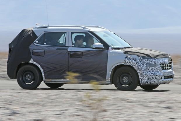 Motorização do novo Hyundai deve ser as mesmas do Kona, com o qual compartilha a base (Foto: AutoMedia/Autoesporte)