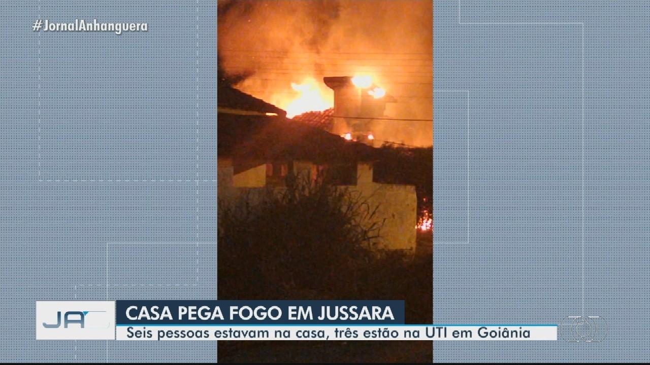 Incêndio em casa deixa quatro adultos e dois bebês feridos em Jussara