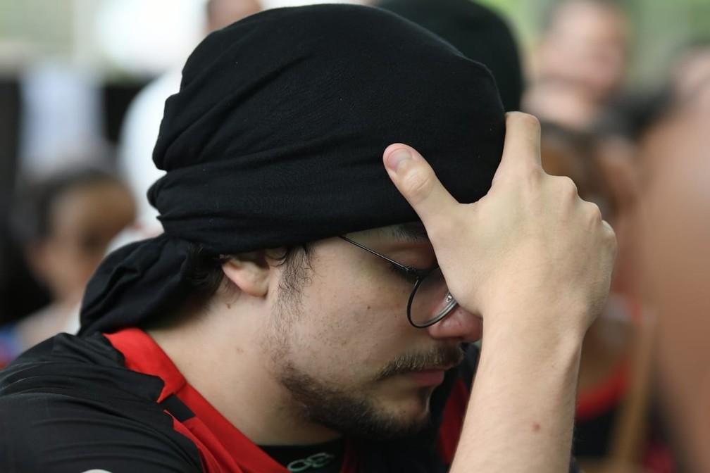 Vitinho cobra falta — Foto: Alexandre Durão / G1