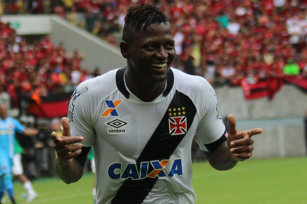 Riascos em ação pelo Vasco -  ele teve passagem entre 2015 e 2016 (Foto:  Carlos Gregório Jr/Vasco.com.br)