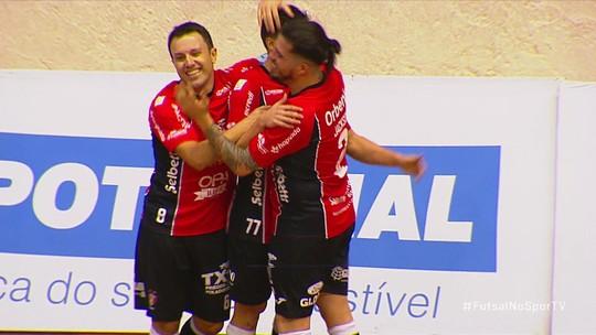 Com gol bizarro e apresentação de Dieguinho, Joinville vence o Blumenau pela LNF