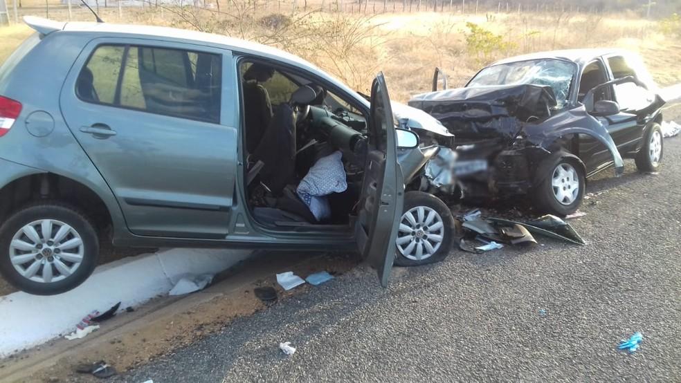 Idoso morre e oito pessoas ficam feridas durante acidente na BR-230 — Foto: Beto Silva/TV Paraíba