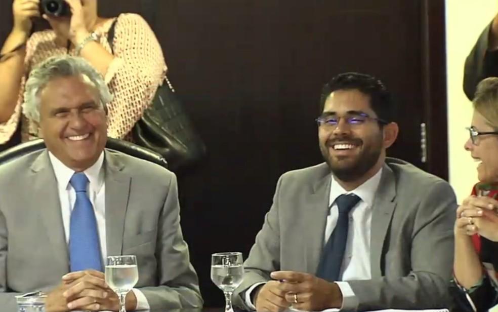Governador Ronaldo Caiado durante reunião com secretariado em Goiás — Foto: Reprodução/TV Anhanguera
