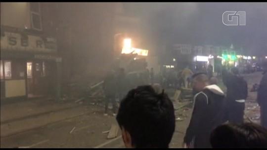 Explosão destrói mercado e deixa feridos na Inglaterra