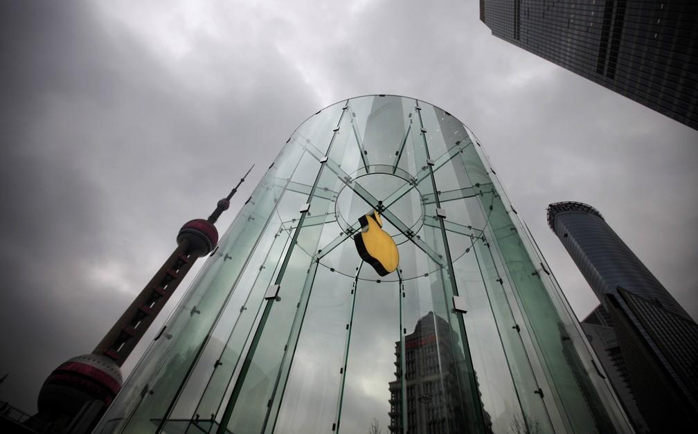 Loja da Apple em Pudong, distrito financeiro de Shanghai, na China. (Foto: Carlos Barria/Reuters)