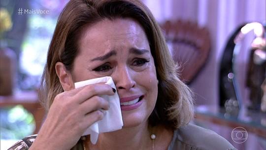 Suzy Rêgo chora muito ao ver depoimento surpresa do marido e dos filhos gêmeos