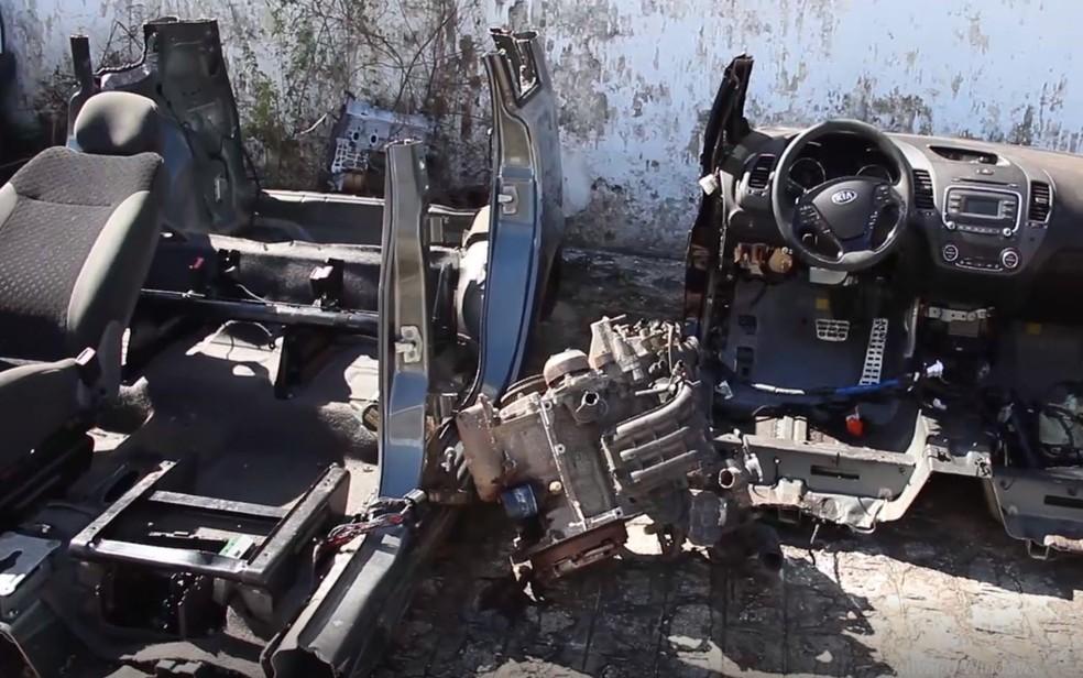 Carros desmanchados pelo grupo — Foto: SSP/SE/Reprodução/Arquivo