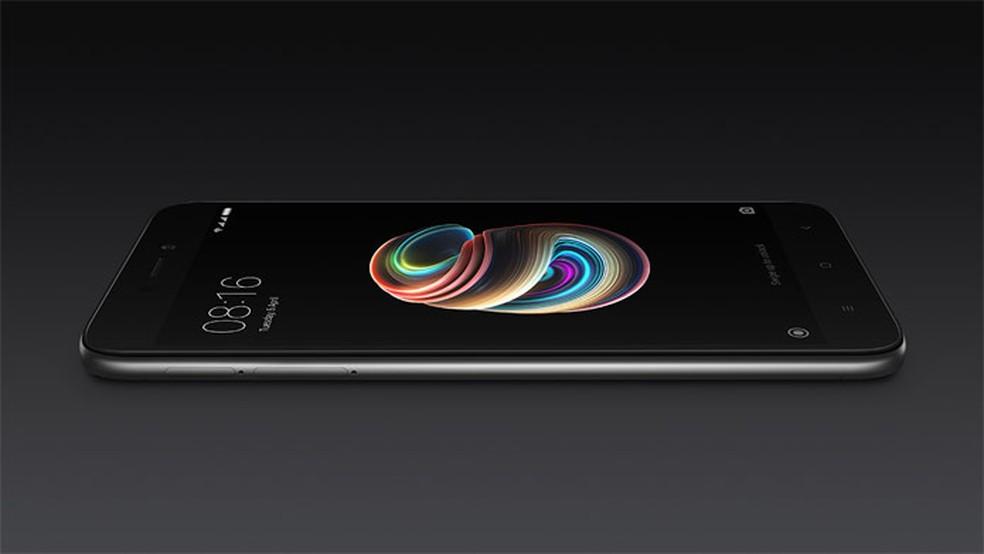 A tela do Redmi 5A é uma das mais simples atualmente (Foto: Divulgação/Xiaomi)
